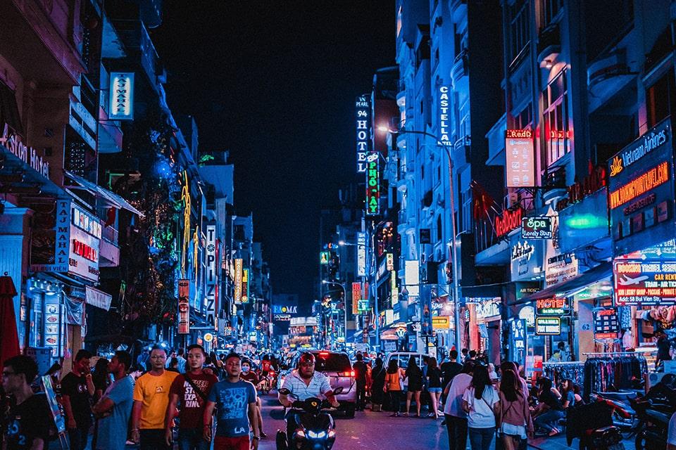 Visite des villes animées du Vietnam