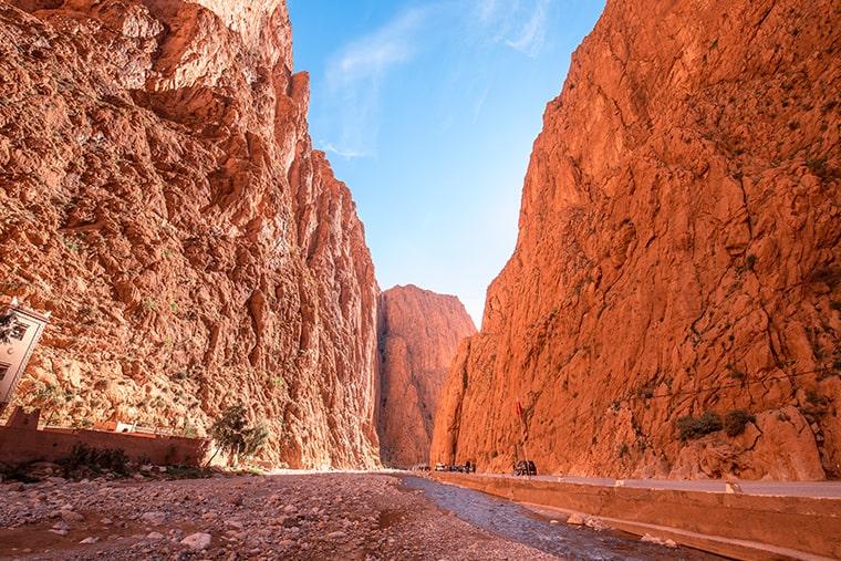 Faire de l'escalade dans les Gorges du Todgha au Maroc