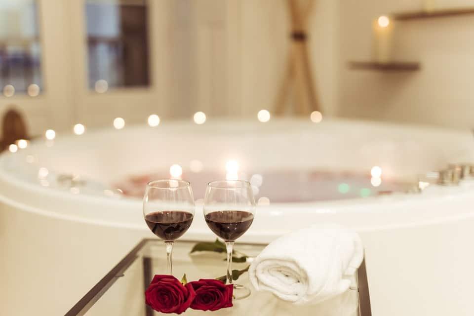 Envie d'un spa livré chez vous ? Louez avec Spa Domicile France un jacuzzi privatif