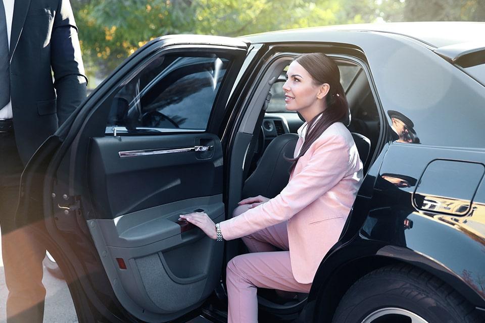 Besoin d'un Véhicule de Tourisme avec Chauffeur ? Optez pour Drive me Nice